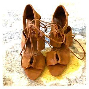 Zara basics Faux sued NWOT heels rusty tan